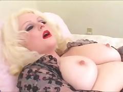 Полная блондинка