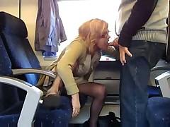 Минет в поезде