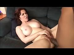 Межрасовый секс с миниатюрным парнем