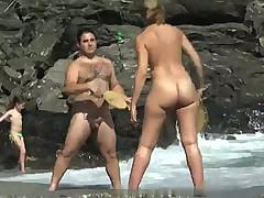 Дамочки на пляже