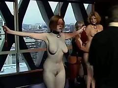 Три девахи развлекаются по всякому