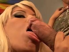 Жесткое порно красивой блондинки