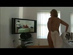 Стриптиз, помывка и мастурбация