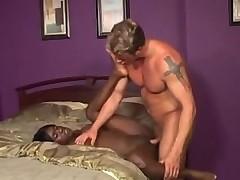 Белый бойфренд черной девушки