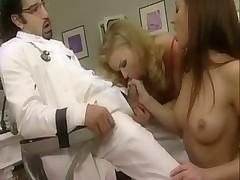 Доктор обслужит обоих